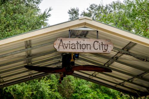 Arcadia Municipal Airport X06 Aviation City picnic area